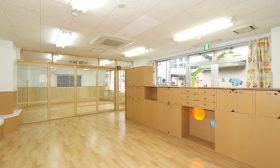 06_0.1.2歳児保育室(2)